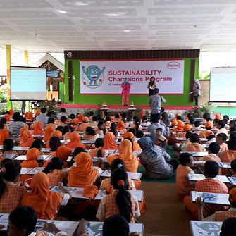 Nearly 250 students from SDN Dermo 1 in Pasuruan learn to conserve the environment through Henkel's Sustainability Ambassador School Outreach program.